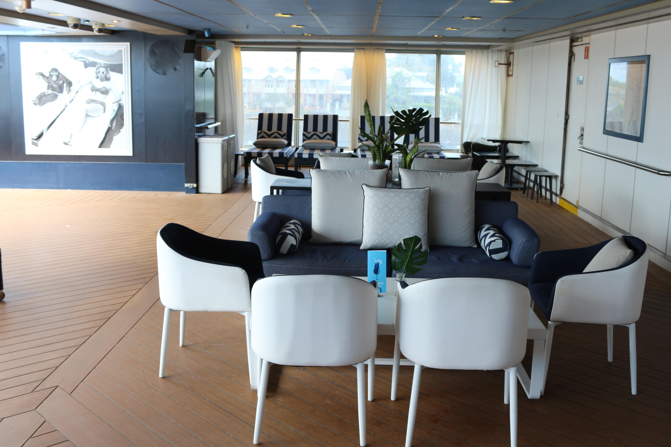 The Bars And Restaurants On Both Ships Have A Classy Stylish Feel About Them New From PO Cruises Australia Want To Be Known As Four Star