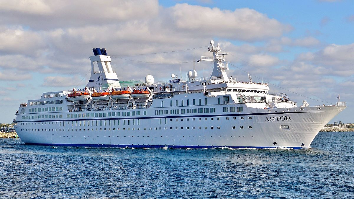 MS Astor Fremantle 2016 04